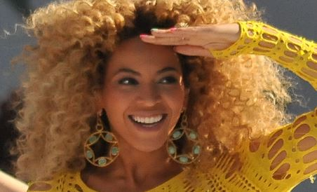 Investiert in Bildung: US-Sänderin Beyoncé. Foto: Jonathas Davi / Wikimedia Commons (CC BY-SA 2.0)