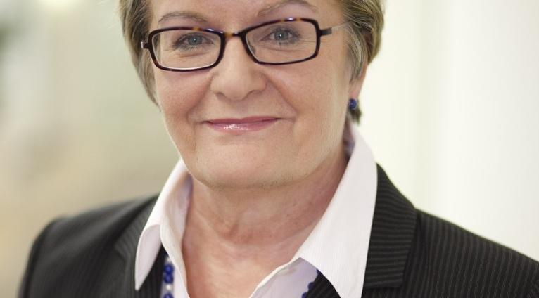 Steht im Mittelpunkt von Spekulationen: Hessens Kultusministerin Dorothea Henzler. Foto: Hessisches Kultusministerium