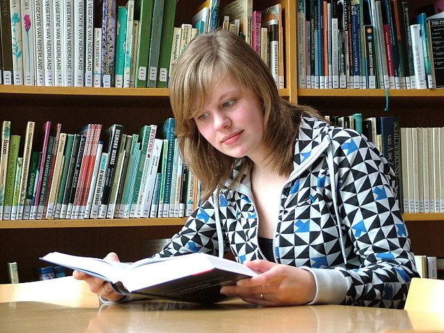 In Deutschland sind Frauen seltener von Analphabetismus betroffen als Männer. Foto: Ziko-C / Wikimedia Commons (CC-BY-SA-3.0-2.5-2.0-1.0)