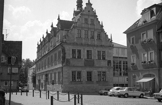 Eine Institution in Coburg: das rund 400 Jahre alte Casimirianum - hier ein Foto von 1975. Foto: Gräfingholt, Detlef / Bundesarchiv / Wikimedia Commons (CC BY-SA 3.0 DE)