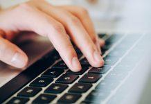 Welche digitalen Grundkenntnisse brauchen Heranwachsende sowie Beschäftigte in der heutigen Welt? Foto: Fancygrave1 / pixabay (CC0)