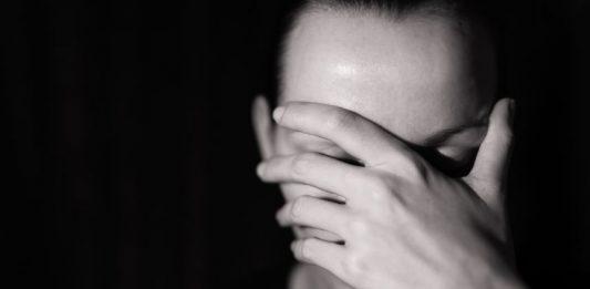 """""""Wenn ich nach Hause komme, habe ich das Gefühl, ich höre die Welt nicht mehr"""": Die Arbeit in einer Kita ist extrem belastend. Foto: Shutterstock"""