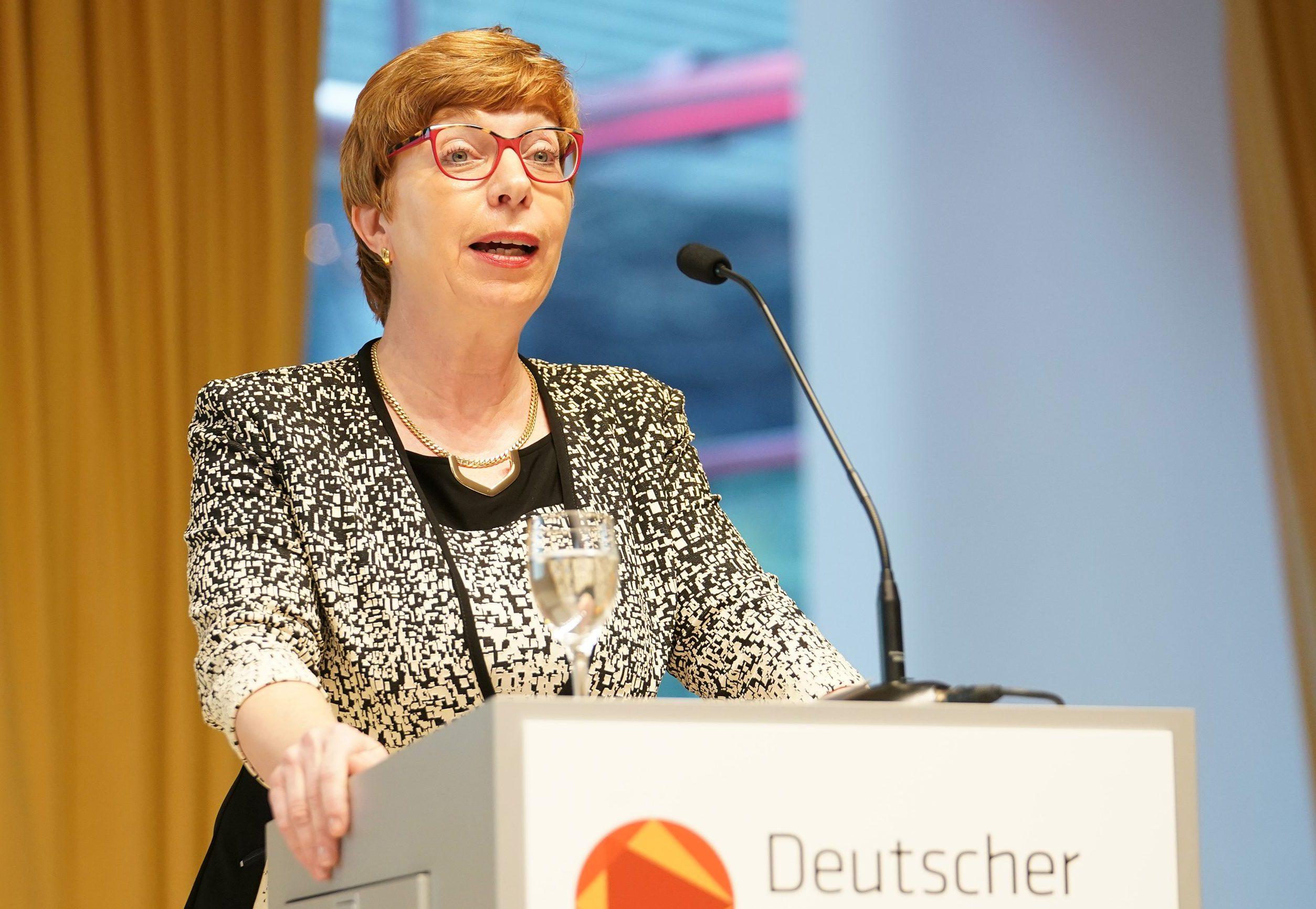"""Philologen-Chefin gegen """"A13 für alle"""" – sie meint: Gymnasiallehrer ..."""