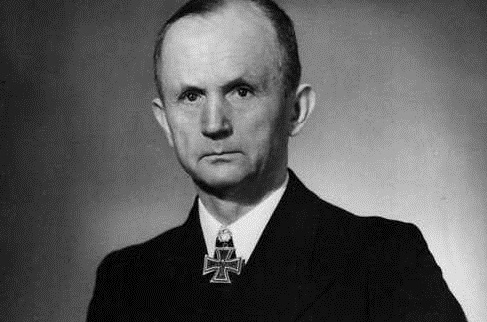 Hitlers - kurzzeitiger - Nachfolger: Großadmiral Dönitz. Foto: Wikipedia Commons
