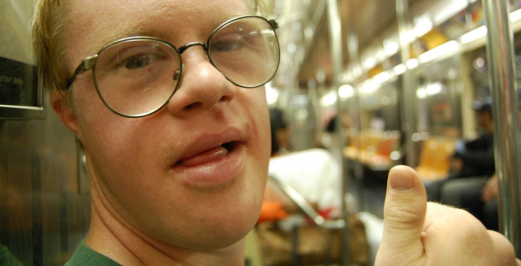 Schulabgänger mit Behinderungen - hier ein junger Mann mit Down-Syndrom - haben wenig Chancen, eine Lehrstelle zu finden. Foto: Rebecca Wilson / flickr (CC BY 2.0)