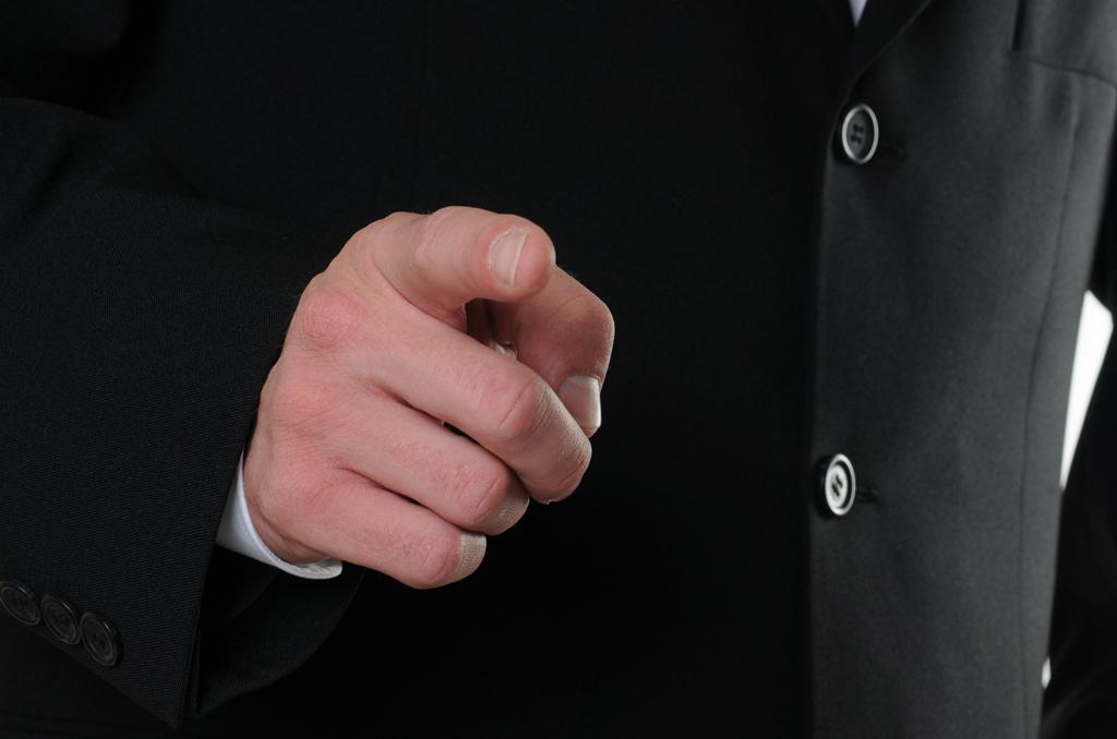 Fingerzeig aus dem Bild heraus