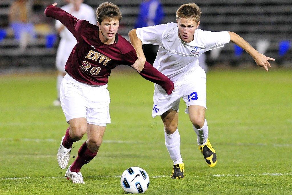 Fußball fördert die kognitiven Fähigkeiten junger Menschen. Foto: skeeze / Pixabay (CC0 1.0)