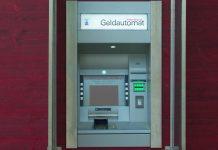 Die Zeit der Gratiskonten ist vorbei. Foto: Ralf Schulze / Wikimedia Commons (CC-BY-2.0)