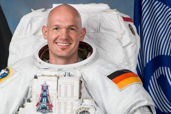 Bleibt Mitglied des ESA Astronauten Corps: Alexander Gerst. Foto: NASA/Bill Stafford, Josh Valcarcel and Norah Moran / Wikimedia Commons (Gemeinfrei)