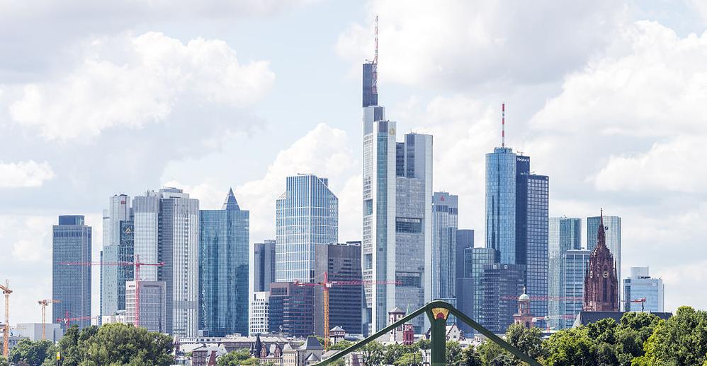 Die Stadt Frankfurt will in den nächsten fünf Jahen zehn neue Schulen errichten. Foto: Mylius / Wikimedia Commons (GFDL 1.2)