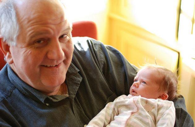Das hier ist ein echter Großvater - wer aber keinen in der Nähe hat, der leiht sich halt einen. Foto: Joe Shlabotnik / flickr (CC BY 2.0)