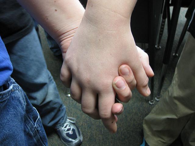 2 teen girls machen es sich mit dem dildo sex mit lenanitro - 2 1