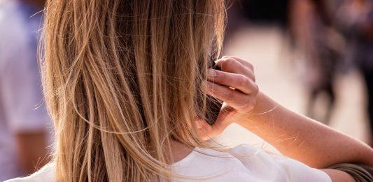 Handystrahlung schadet der Gedächtnisleistung. Wie sich die Smartphone-Nutzung auf anderen Ebenen auf die Gehirnleistung Jugendlicher auswirkt, war nicht Gegenstand der Untersuchung. Foto: Garry Knight / flickr (CC BY 2.0)