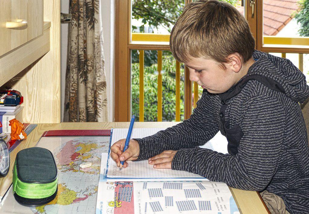 Nach Meinung von Hamburgs Bildungssenator Rabe sollten Kinder auch am Nachmittag etwas lernen können. Foto: anaterate / pixabay (CC0)