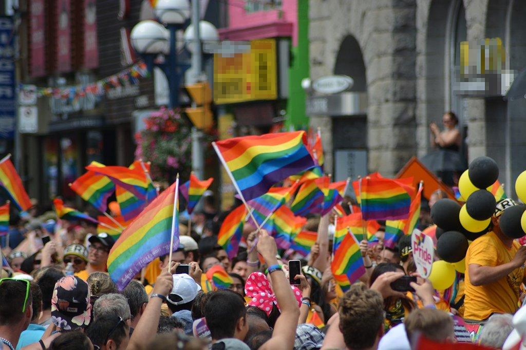 Homosexualität ist noch längst nicht überall in der Gesellschaft akzeptiert. Foto: naeimasgary / Pixabay (CC0 1.0)