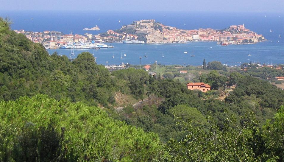 Schönes Land, schlechte Arbeitsbedingungen für Erziehrinnen: Italien (Portoferraio auf Elba). Foto: Magrathea / Wikimedia Commons (CC BY 3.0)