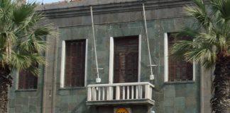 Das deutsche Generalkonsulat in Izmir. Nach der Schließung der deutschen Schule in der 4-Millionen-Enwohner-Stadt drohen neue Spannungen im Verhältnis zwischen Deutschland und der Türkei. Foto: IBausK / Wikimedia Commons (CC BY-SA 3.0)
