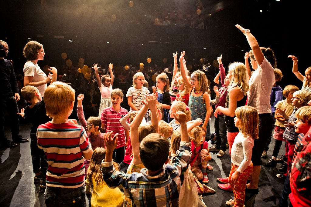 Viele Theater haben heute Angebote für Kinder und Jugendliche fest im Programm. Foto: Next Liberty Graz Jugendtheater GmbH / Wikimedia Commons (CC BY-SA 4.0)
