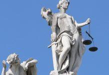 Das Oberverwaltungsgericht Lüneburg ebnete mit dem Urteil zur Arbeitszeit der niedersächsischen Gymnasiallehrer möglicherweise auch den Weg für Klagen anderer Lehrer. Foto: Balthasar Schmitt / Wikimedia Commons(CC-BY-SA-3.0)
