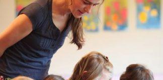 """Der Bachelor-Studiengang """"Kindheitspädagogik"""" an der Alanus Hochschule qualifiziert für die pädagogische Arbeit in Kindertageseinrichtungen, der Offenen Ganztagsbetreuung, Foto: Charlotte Fischer"""