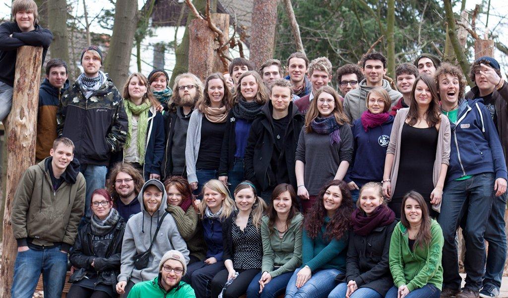 Nach der Schule an die Schule. Das FSJ Pädagogik in Sachsen bietet Jugendlichen die Gelegenheit Schüler und die Schule aus neuer Perspektive kennen zu lernen. Foto: Ernesto Ruge / flickr (CC BY 2.0)