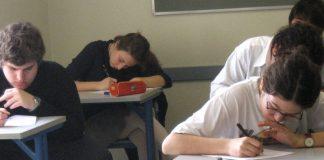 Knapp 2.600 Schüler nutzen die Möglichkeit, die Abi-Prüfung zu wiederholen. Foto: ccarlstead / flickr (CC BY 2.0)
