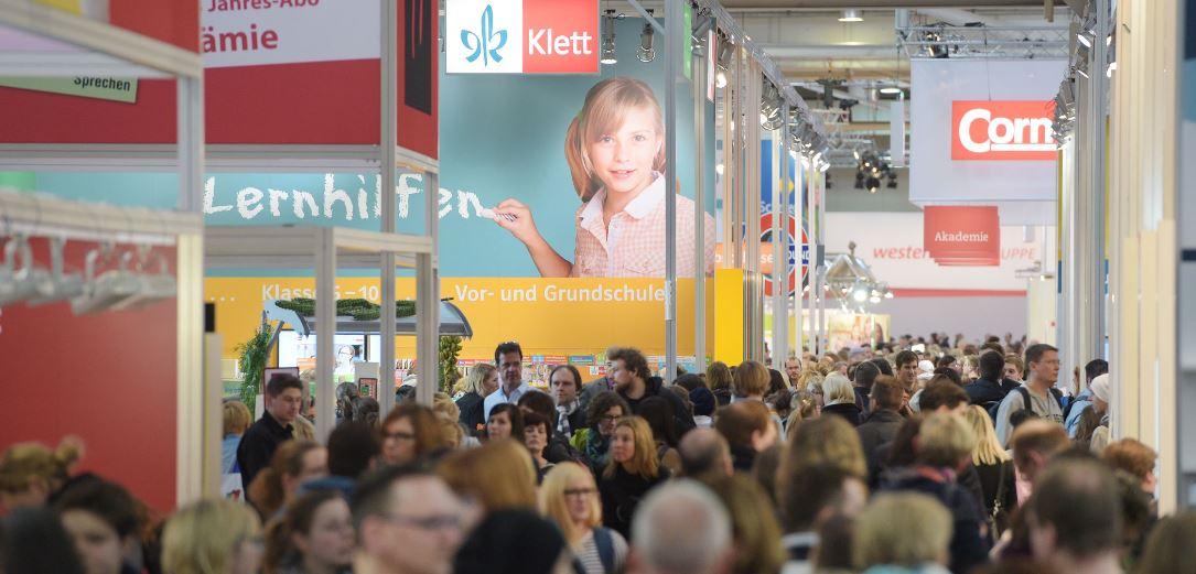 Warten auf die digitale Revolution: Die großen Schulbuchverlage auf der didacta im Frühjahr in Hannover. Foto: Deutsche Messe