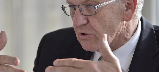 Möchte in der Schulpolitik offenbar aufräumen: Baden-Württembergs Ministerpräsident Winfried Kretschmann. Foto: Grüne NRW / flickr (CC BY-SA 2.0)