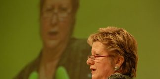 Plädiert für einen Ausweg aus dem G8/G9-Dilemma: NRW-Schulministerin Sylvia Löhrmann. Foto: Bündnis 90/Die Grünen, flickr (CC BY-SA 2.0)