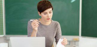 Den eigenen PC zur Unterrichtsvor- und nachbereitung zu nutzen, kann problematisch sein. Foto: Shutterstock