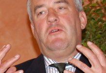 Liegt mit der GEW im Clinch: Bayerns Kultusminister Ludwig Spaenle. Foto: Sigismund von Dobschütz / Wikimedia Commons (CC BY-SA 3.0)