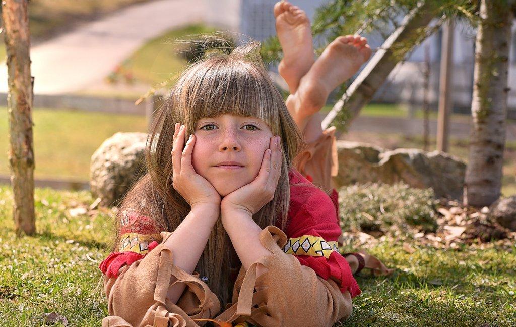 Mädchen finden sich offenbar früher mit den Bedingungen an den weiterführenden Schulen ab, als Jungen. Das hat messbare Auswirkungen auf Motivation und Leistungen. Foto: Pezibear / pixabay (CC0 1.0)