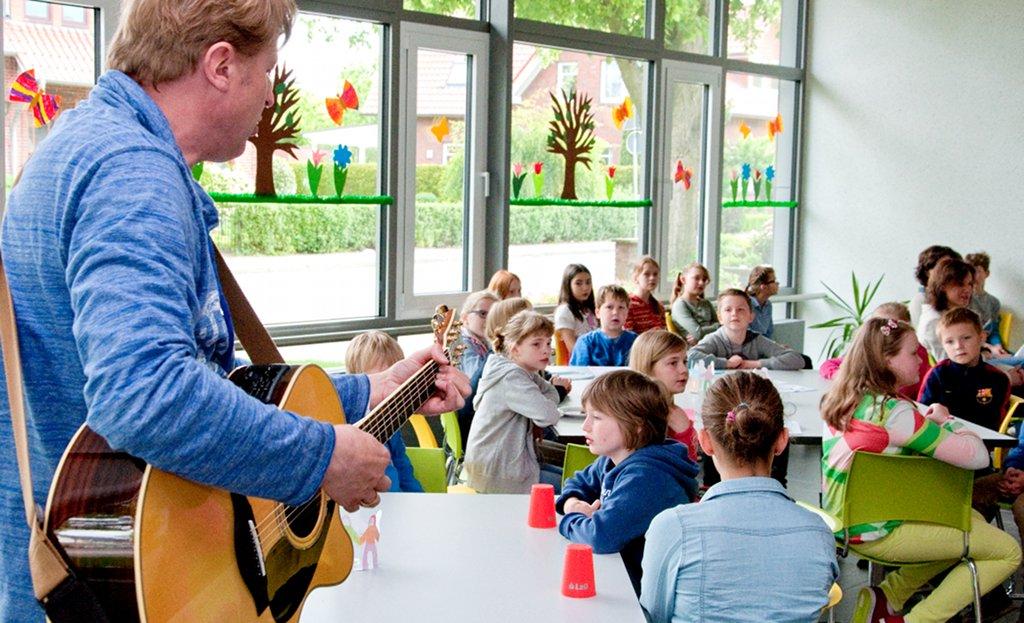 Gemeinsames Essen in der Schule ist mehr als Nahrungsaufnahme. Foto: Stadt Lohne / flickr (CC BY 2.0)