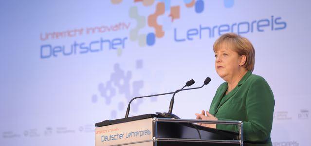 Hat auch schon beim Deutschen Lehrerpreis die Auszeichnungen verliehen: Angela Merkel (CDU) bei der Verleihung des Deutschen Lehrerpreises ; Foto: Deutscher Lehrerpreis