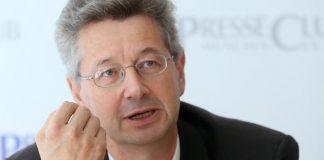 Der Generalsekretär einer Partei muss auch mit dem Koalitionspartner eher kämpferisch umgehen. Das passt nach Ansicht von Bayerns Kultusminister Piazolo nicht gut mit dem Ministeramt zusammen. Foto: Michael Lucan / Wikimedia Commons (CC-BY-SA 3.0)
