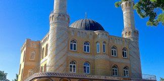 Die Klasse unternahm einen Besuch in der Rendsburger Moschee - ein Schüler fehlte. Foto: fleno.de / flickr (CC BY-SA 2.0)