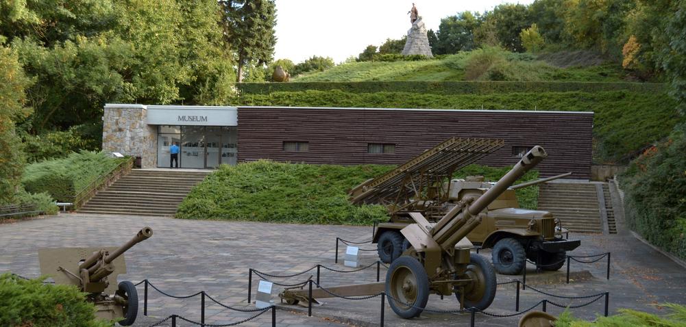 Nach Meinung der Brandenburgischen Grünen besuchen zu wenig Schüler die Gedenkstätten im Land (im Bild die Gedenkstätte Seelower Höhen). Foto: Marcus Cyron / Wikimedia Commons (CC BY-SA 3.0)