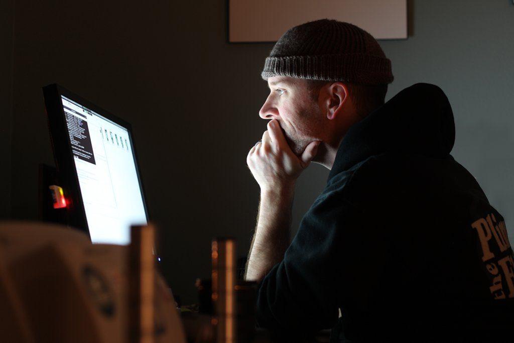 m Zeitalter von Rund-um-die-Uhr-Dienstleistungen nimmt die Zahl derjenigen, die gezwungen sind, in der Nacht zu arbeiten auch in Deutschland beständig zu. Doch wenn Eltern in der Nacht arbeiten, ist das schlecht für die Kinder. Foto: Mike McCune / flickr (CC BY 2.0)
