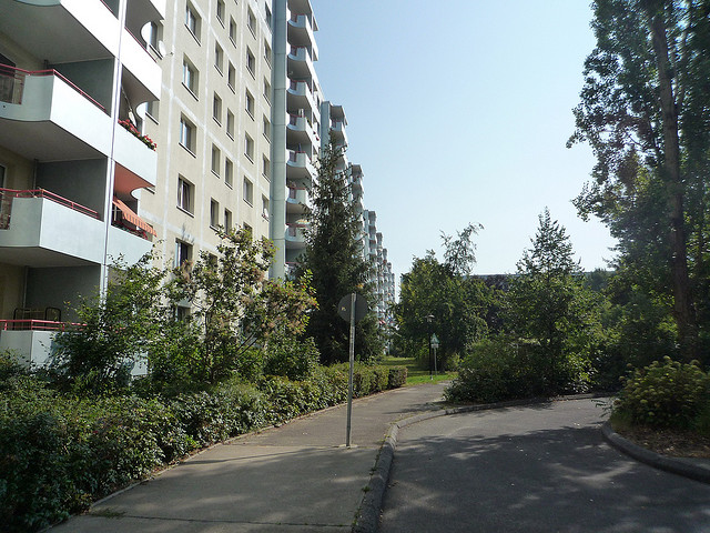 Plattenbau in Berlin Marzahn-Hellersdorf Foto: jack_of_hearts_398/flickr (CC BY 2.0)