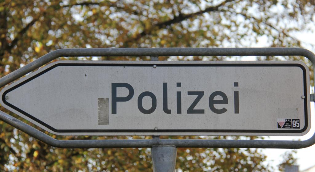 Der Weg zur Polizei führt in Sachsen-Anhalt künftig nicht mehr über die Schulnoten. Foto: blu-news.org / flickr (CC BY-SA 2.0)