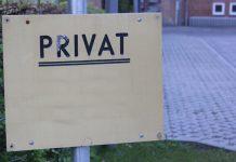 Als Trägervertreter einer privaten Grundschule konnte der Schulleiter nicht einfach beurlaubt werden (Symbolbild). Foto: Sönke Rahn / Wikimedia Commons (CC BY-SA 3.0)