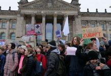 Der Schülerprotest für mehr Klimaschutz - hier am 14. Dezember in Berlin - wächst sich zur Bewegung aus. Foto: Leonhard Lenz / Wikimedia Commons (CC0 1.0)