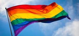 Die Regenbogenflagge ist Symbol des Kampfes für Gleichberechtigung Homosexueller. Foto. Benson Kua / Wikimedia Commons (CC BY-SA 2.0)