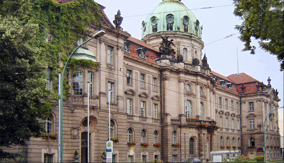 Im Potsdamer Rathaus gärt es. Foto: Expdm / Wikimedia Commons