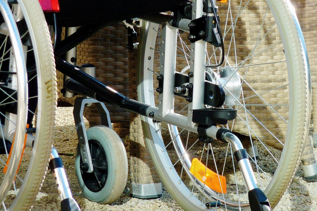 Eine Behinderung ist für Eltern immer noch ein Kostenfaktor. Foto: moritz320 / Pixabay (CC0 1.0)