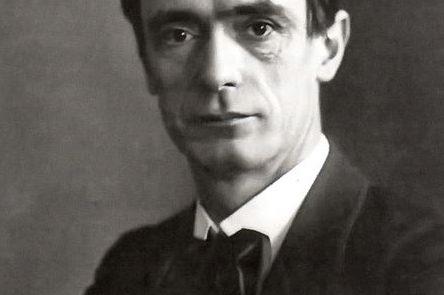 Begründer der Waldorf-Pädagogik: Rudolf Steiner (1861 - 1925). Foto: Wikimedia Commons