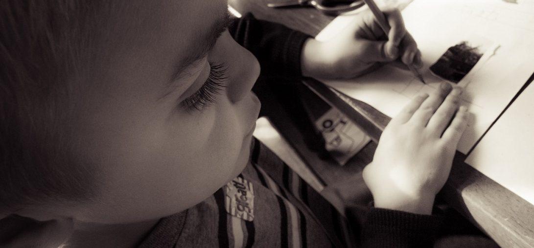 Kinder Legasthenie und Dyskalkulie bleiben oft ohne besondere Förderng. Foto: Jennifer Scarlett / flickr (CC BY-SA 2.0)