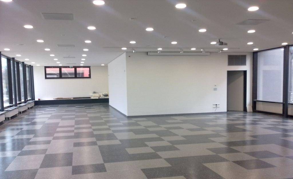 Allein der Bau ein Gymnasium für 1.000 Schüler koste 40 bis 45 Millionen Euro, schätzt Städtetagspräsident Ulrich Maly und damit weit mehr, als von der Staatsregierung veranschlagt. Foto: Landkreis Hildesheim, FD 304 / flickr (CC BY-SA 2.0)