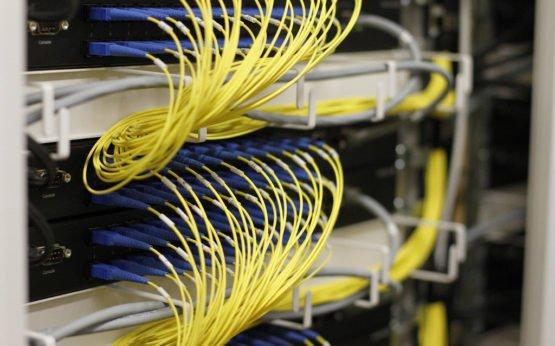 Bis Ende 2020 sollen alle Schulen in Sachsen-Anhalt über Glasfaserkabel an das schnelle Internet angeschlossen werden. Foto: QSC AG / flickr (CC BY-SA 2.0)