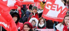 Der Tarifstreit kocht langsam hoch. Immer mehr Lehrkräfte beteiligen sich an Warnstreik-Aktionen. Foto: GEW Berlin